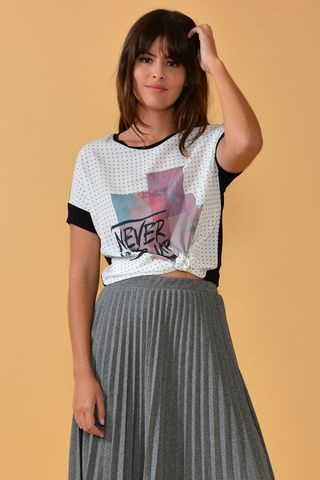02022205_0002_1-BLUSA-NEVER-GIVE-UP