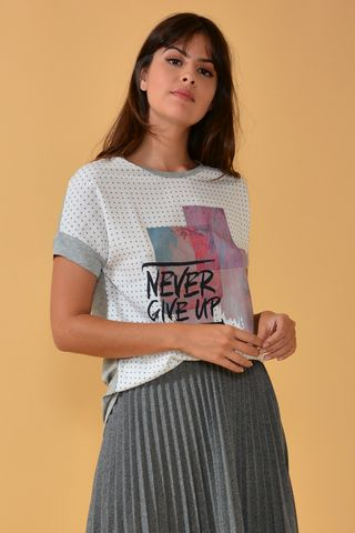 02022205_1006_1-BLUSA-NEVER-GIVE-UP