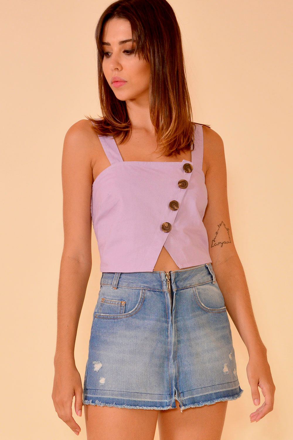02042398_1010_1-BLUSA-CROPPED--BOTOES