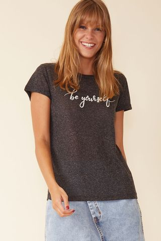 02032931_0002_1-BLUSA-BE-YOURSELF