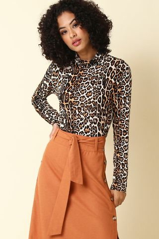 02011873_1008_1-BLUSA-TURTLENECK-ANIMAL-PRINT