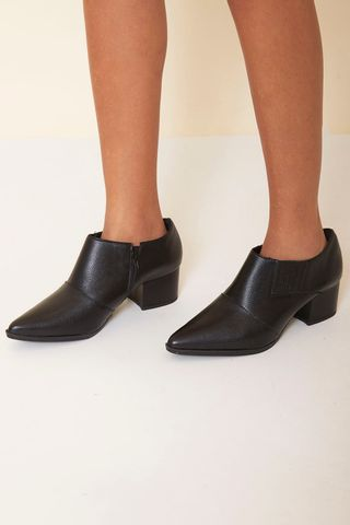 13070181_0002_1-ANKLE-BOOT-BICO-FINO