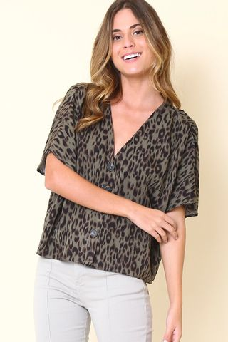 02042637_1034_1-BLUSA-ONCA-BOTOES